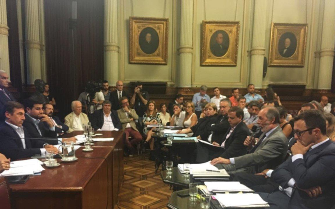 El FpV se opone al megadecreto de Macri por