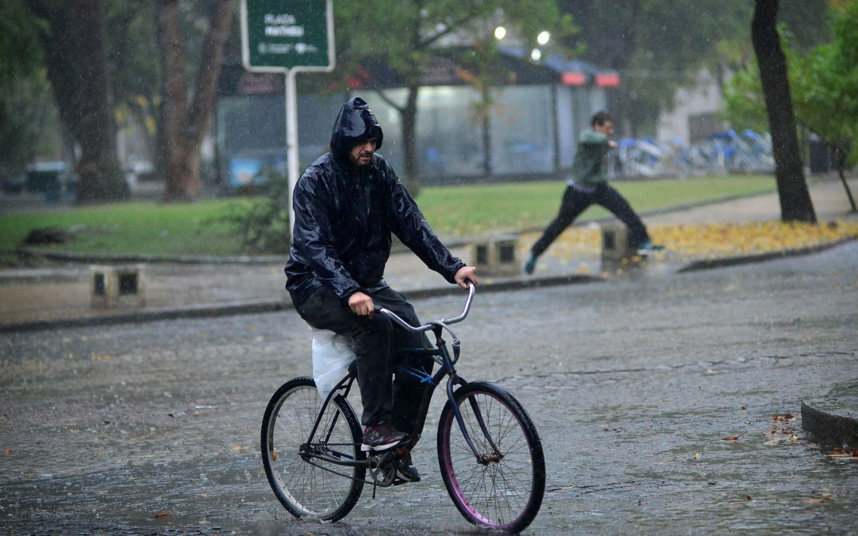 Alerta por tormentas fuertes con ráfagas y granizo en la Región, Conurbano y el interior de la Provincia