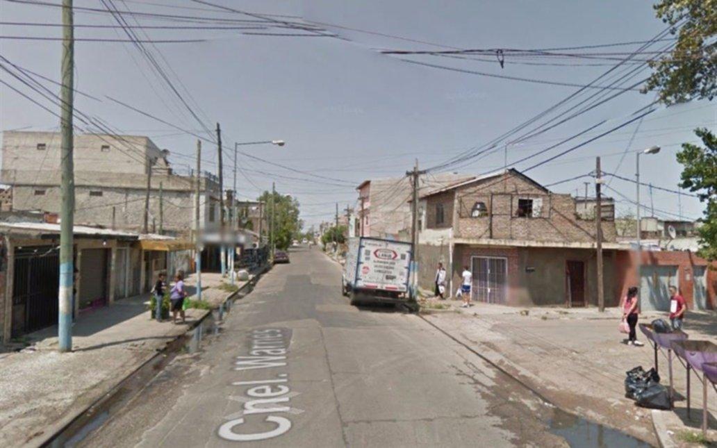 Policía embarazada fue asaltada por tres ladrones y mató a uno