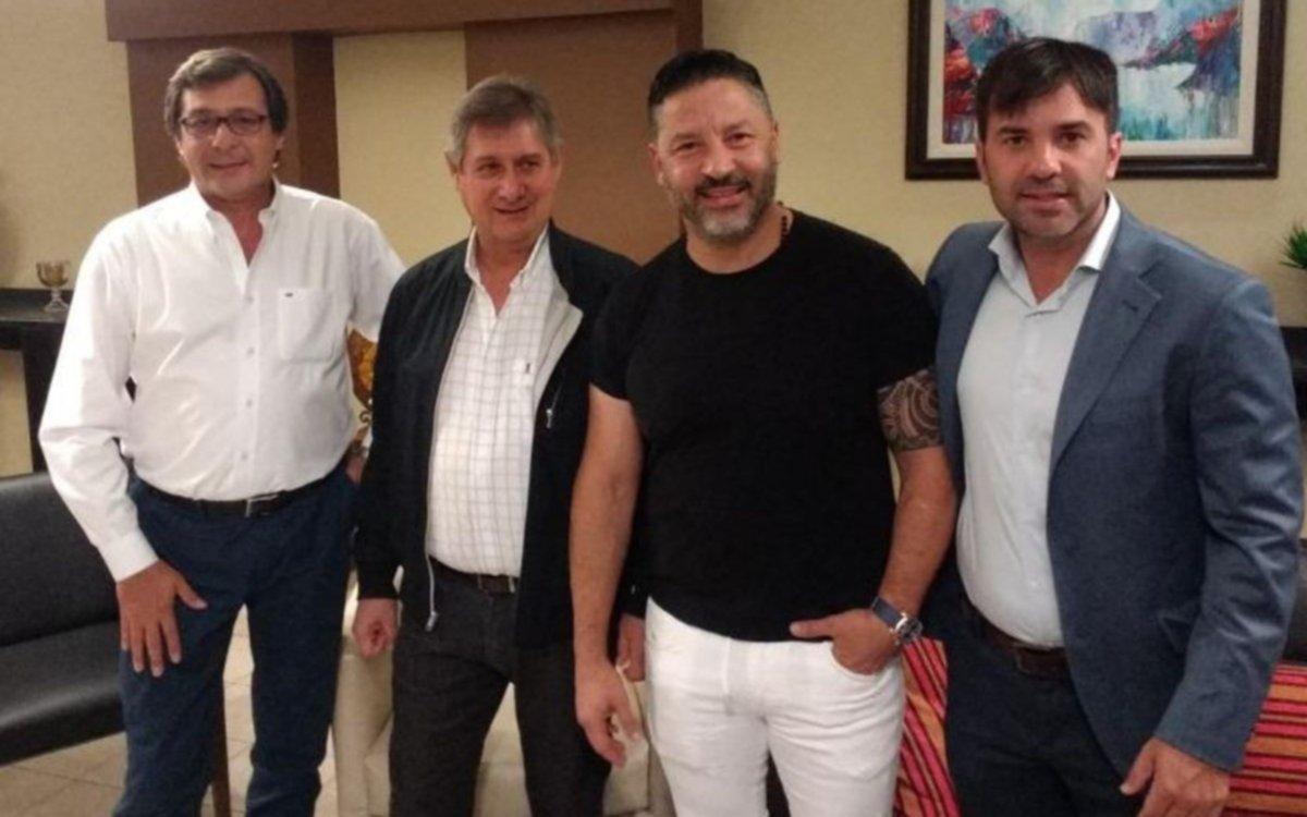 Menéndez viajó a Mendoza para sumar apoyo al PJ de cara al 2019