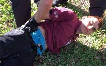Investigan los mensajes en las redes sociales del autor de la masacre en la Florida