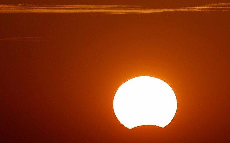 Por la tarde se podrá ver el eclipse solar desde cualquier punto de la Región: cómo evitar riesgos