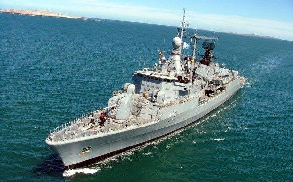 Retiran uno de los buques que buscaba al ARA San Juan para rastrear un velero perdido