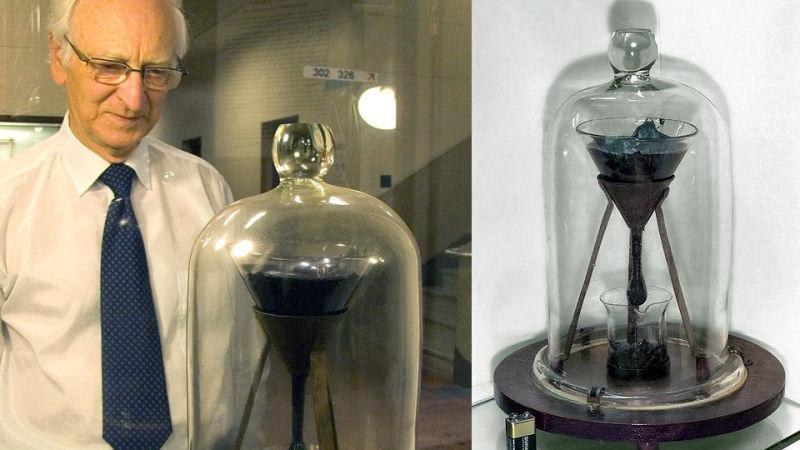 La historia del experimento científico más longevo: el embudo y la gota de brea