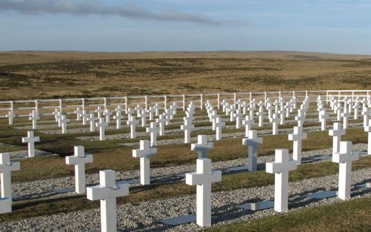 Familiares de los argentinos caídos en Malvinas viajarán a las islas