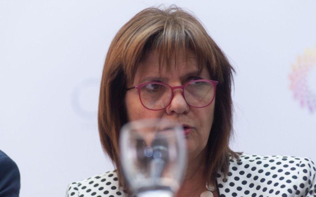 Chubut quiere expulsar extranjeros y Patricia Bullrich lo avala