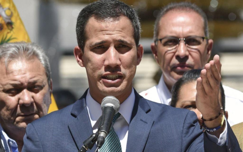 Guaidó pide a los militares que dejen entrar la ayuda humanitaria