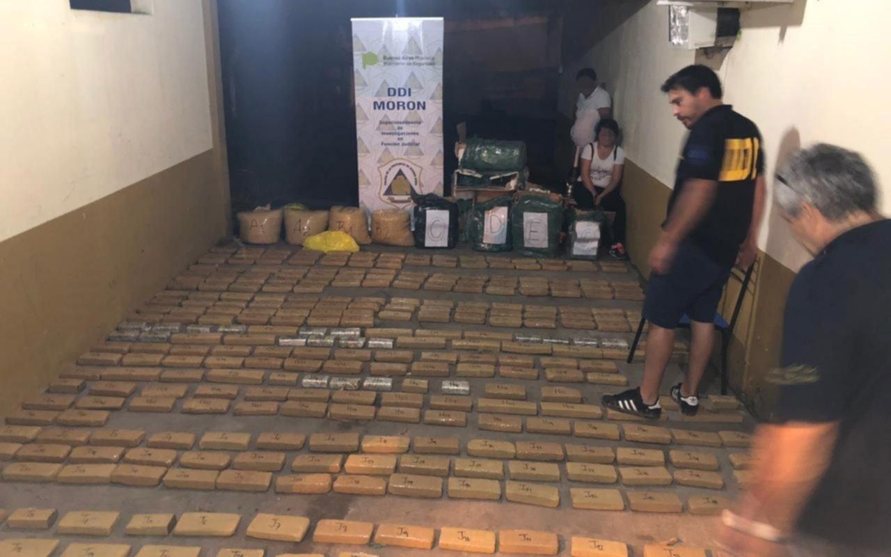 Detuvieron a un ex policía y un gendarme con 175 kilos de marihuana en Formosa