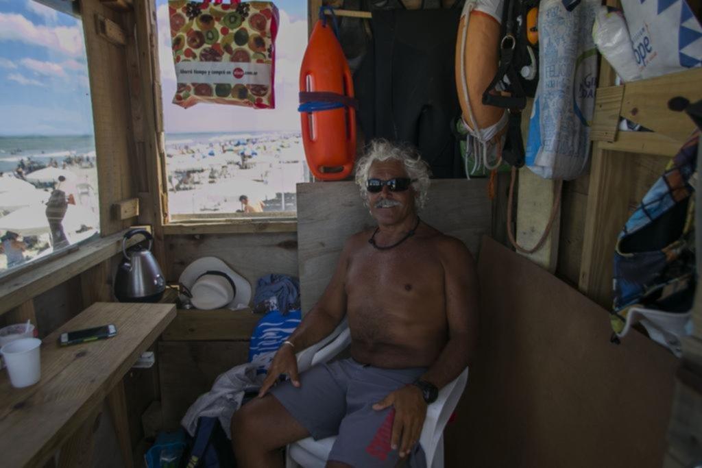 """El platense que """"vive"""" en la playa y juega de local en Cariló"""