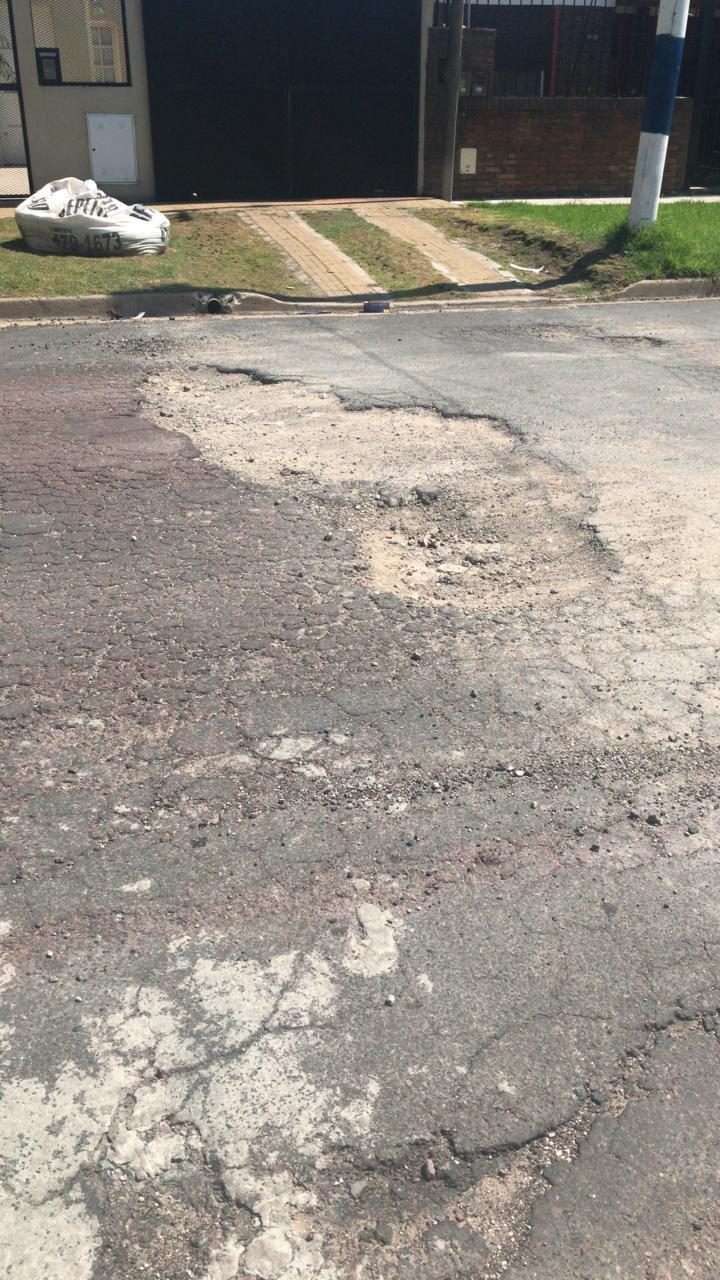 Otro cráter que se extiende en las calles de San Carlos