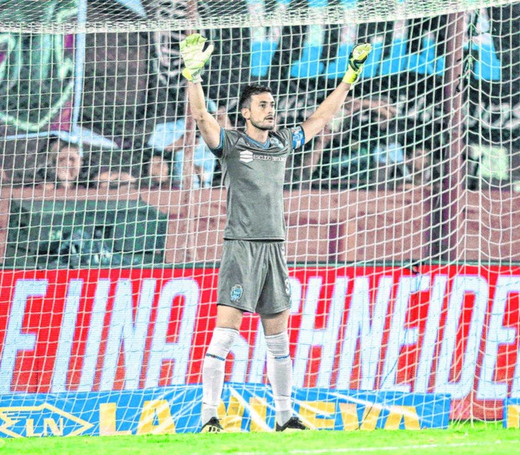"""Martín Arias: """"Cada vez que nos meten un gol, nos cuesta mucho levantarnos"""""""