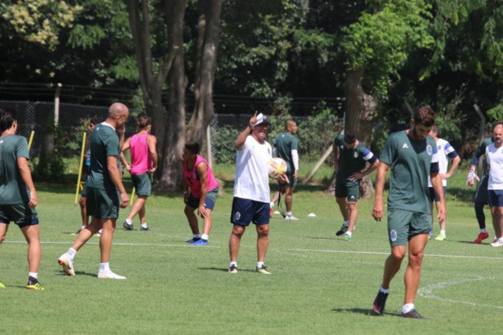 El Lobo retoma las prácticas, ya con Hurtado y Vargas