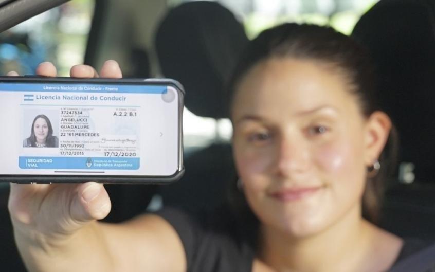 Presentan este martes la nueva licencia de conducir digital