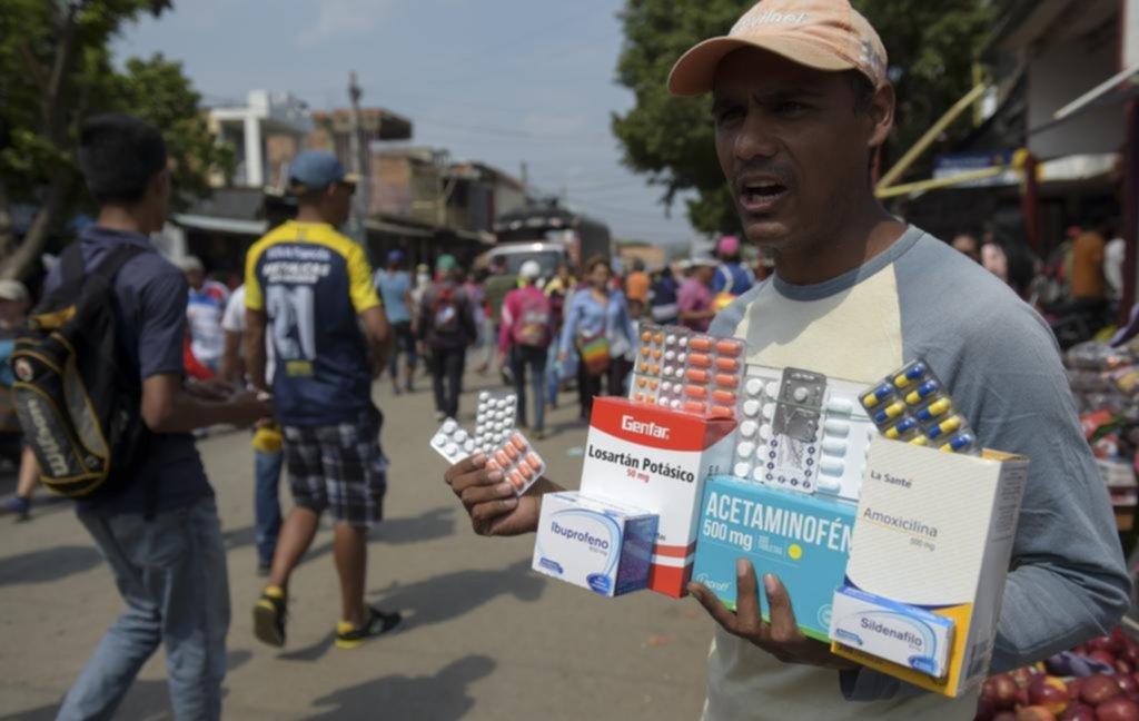 """""""Farmacias"""" callejeras en la frontera entre Colombia y Venezuela"""