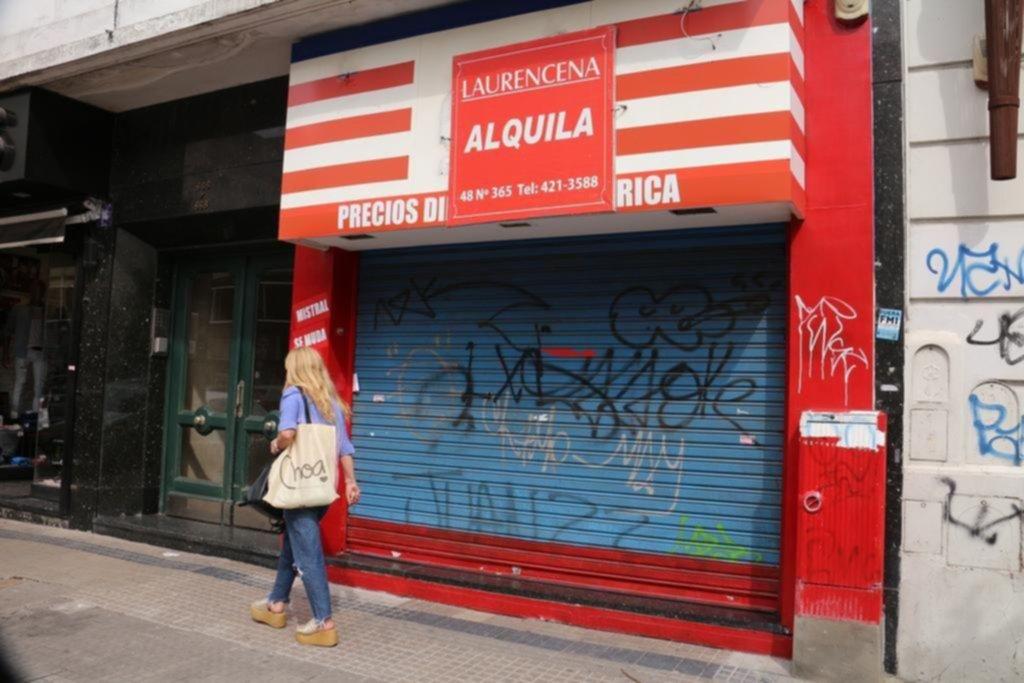 Caída del consumo: aseguran que en La Plata 77 comercios bajaron las persianas en enero