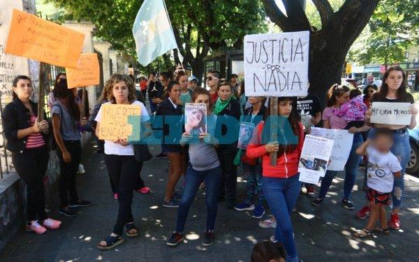 Nadia Ferraresi: Familiares De Nadia Se Manifestaron En Fiscalía Y No