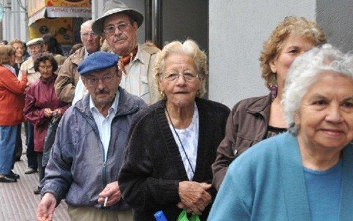 Jubilaciones y AUH aumentarán en marzo y junio