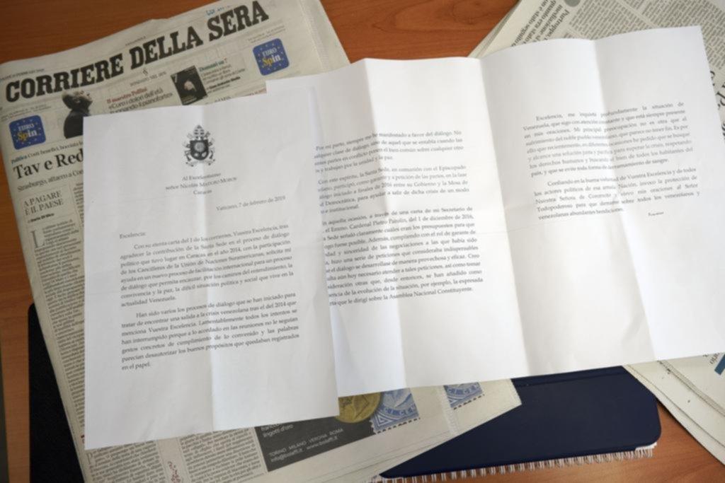 Con fuertes reproches en una carta, el Papa toma distancia de Maduro