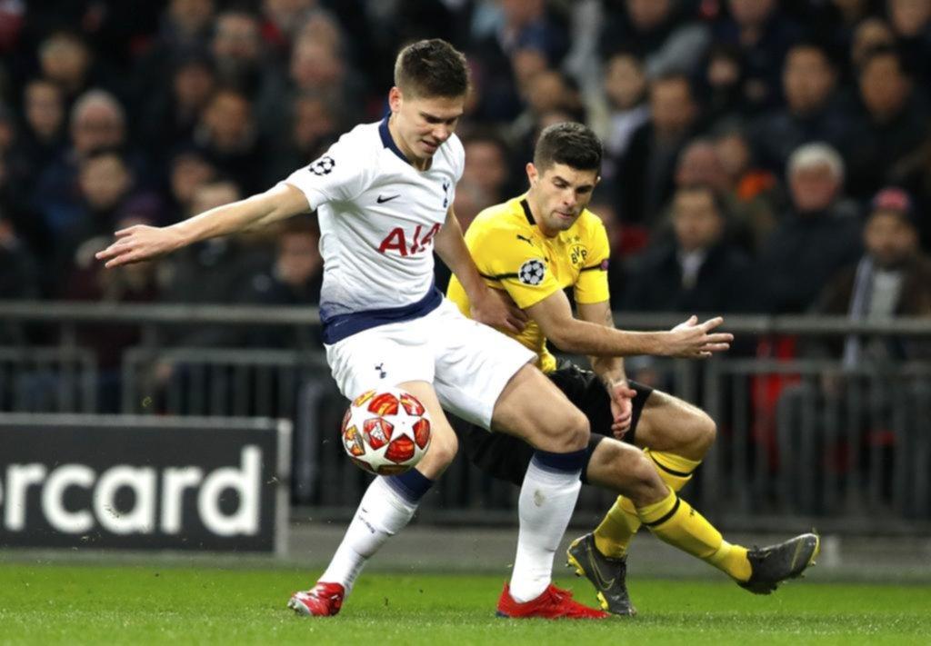 Con Foyth de titular, Tottenham goleó al Dortmund y sueña