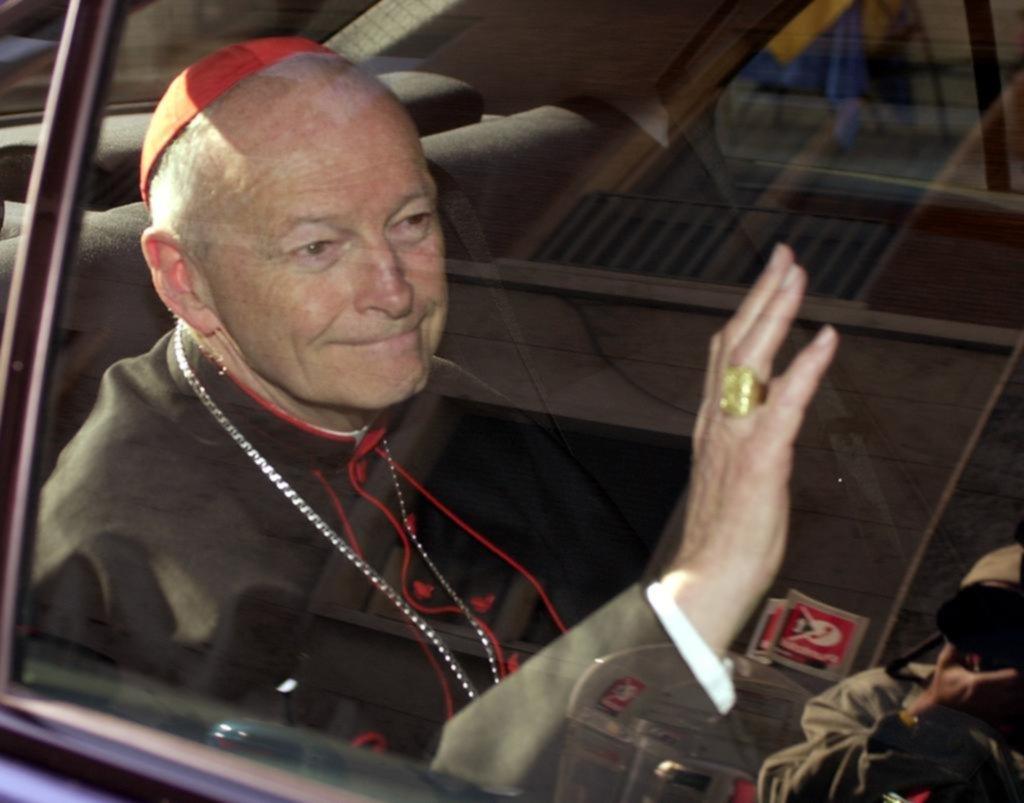 Vaticano expulsa a excardenal McCarrick por cargos de abuso sexual