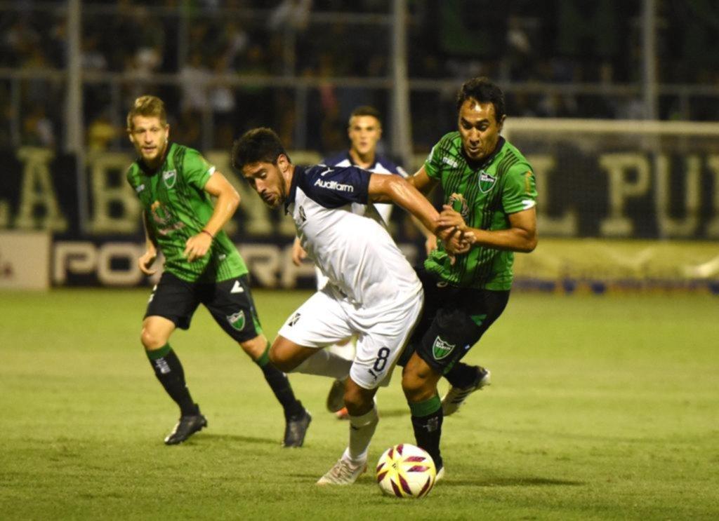 Independiente se quedó con uno menos por la expulsión de Pablo Pérez y le empataron