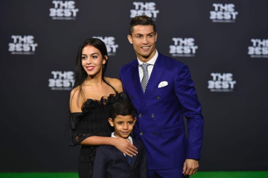 Georgina Rodríguez: quién es la novia argentina de Cristiano Ronaldo que se hizo de abajo