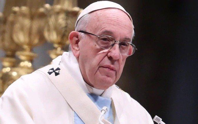 """Francisco calificó a los abusos dentro de la Iglesia como """"un desafío urgente"""""""