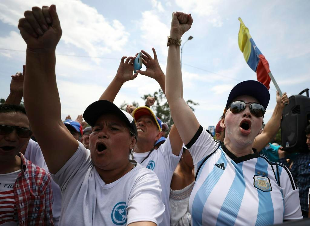 Brigadas de voluntarios se organizan para ingresar ayuda a Venezuela