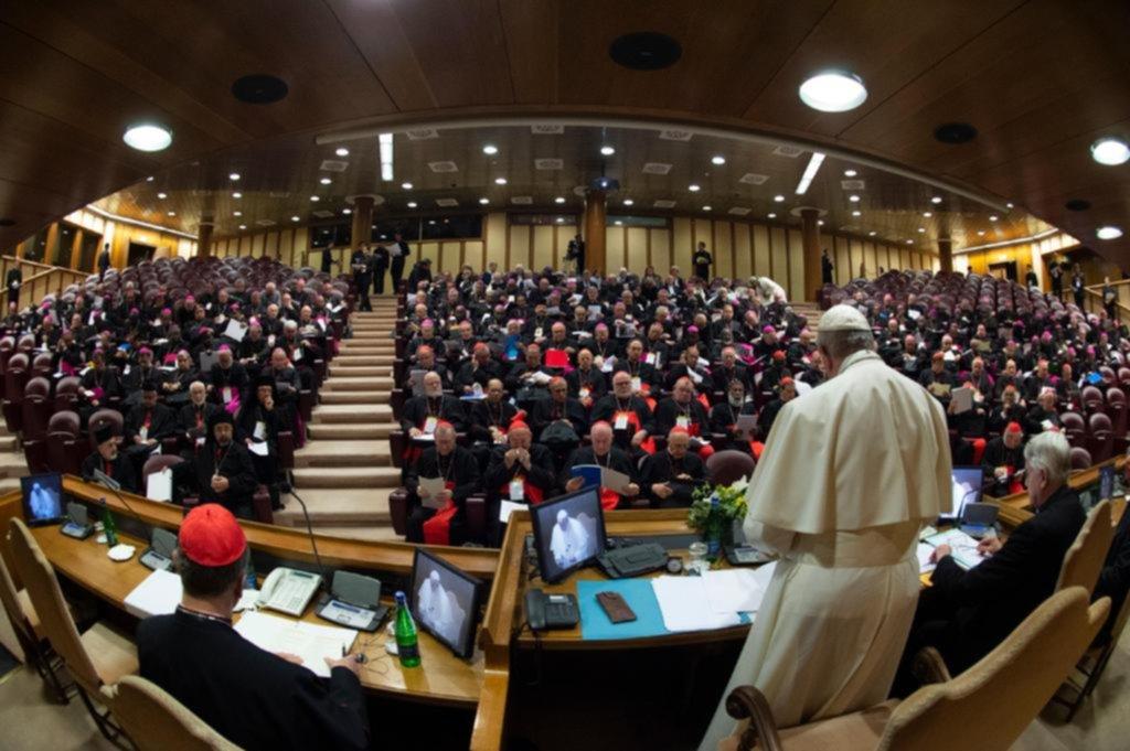 """El Papa pide medidas """"concretas"""" contra la """"plaga de los abusos sexuales"""" en la Iglesia"""