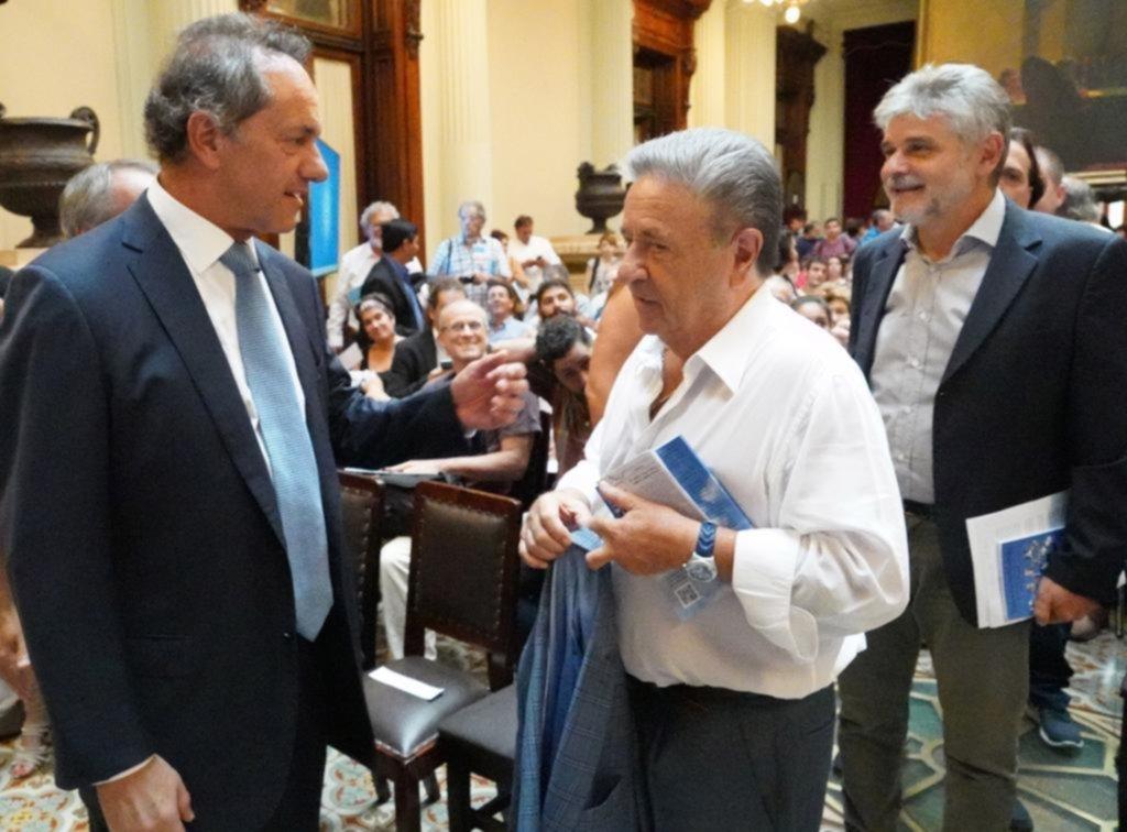 Duhalde se reunió con Cristina y se mostró con Scioli y diputados K