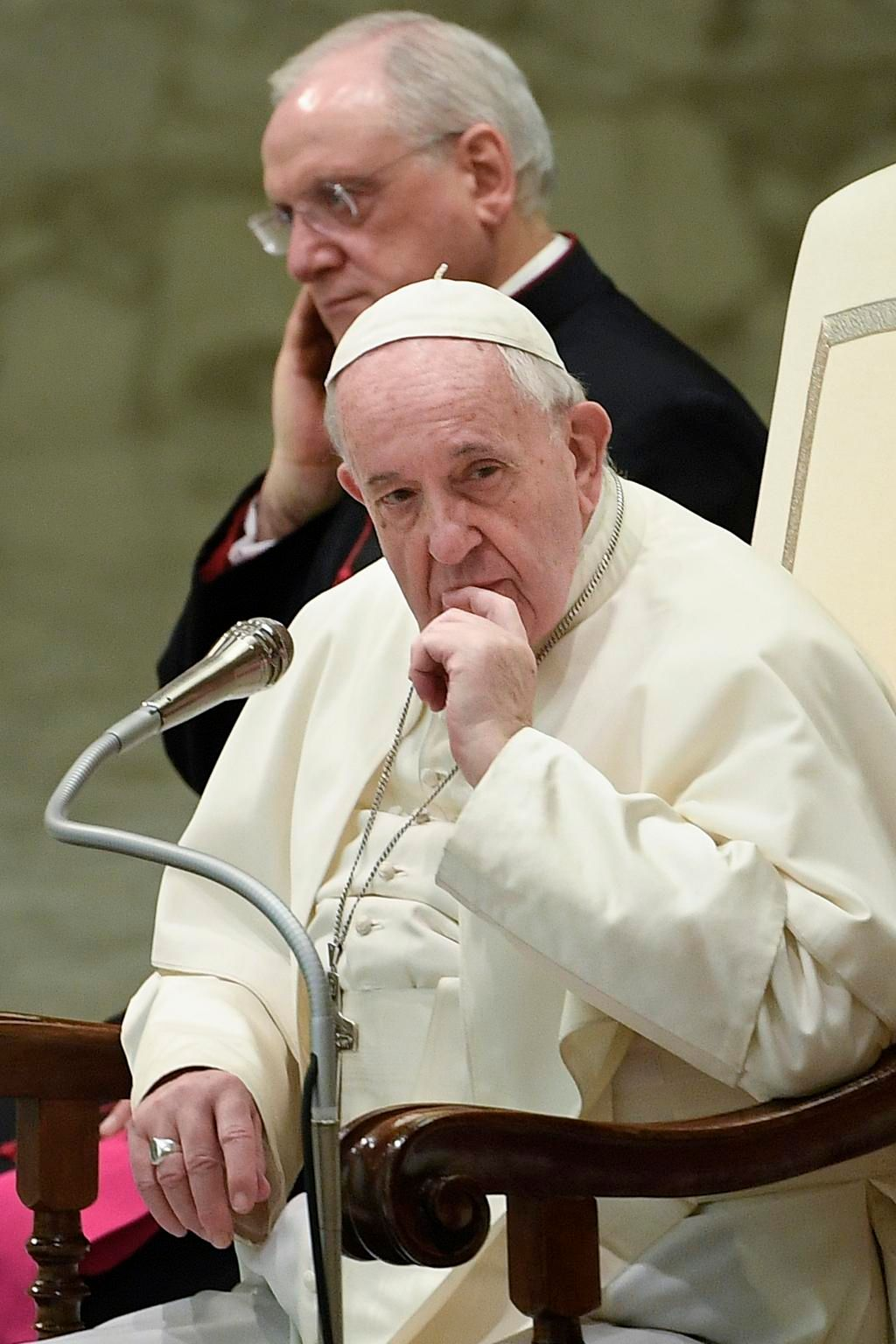 Francisco dice no a la ordenación de curas casados en Amazonia