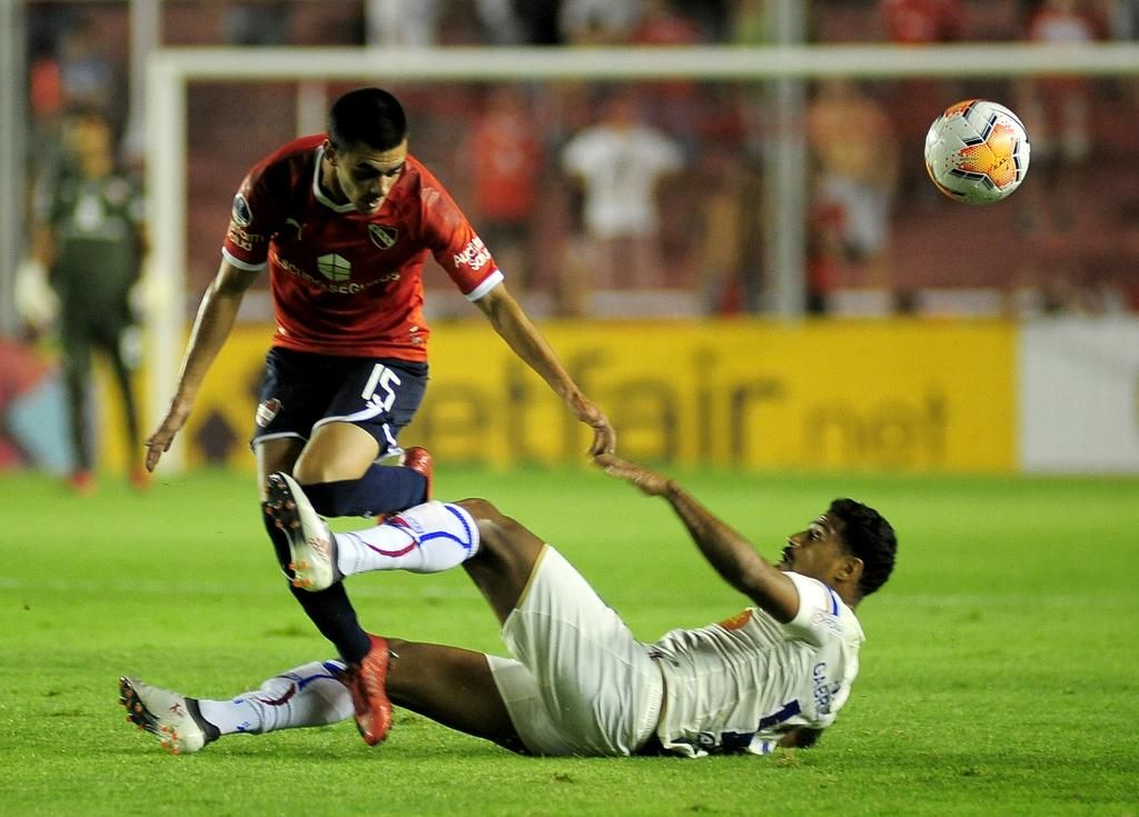 Independiente salió de perdedor en un clima de gran tensión