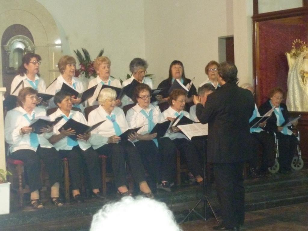 El coro de abuelas de Gonnet, más de 30 años dedicando todo su amor a la pasión por el canto