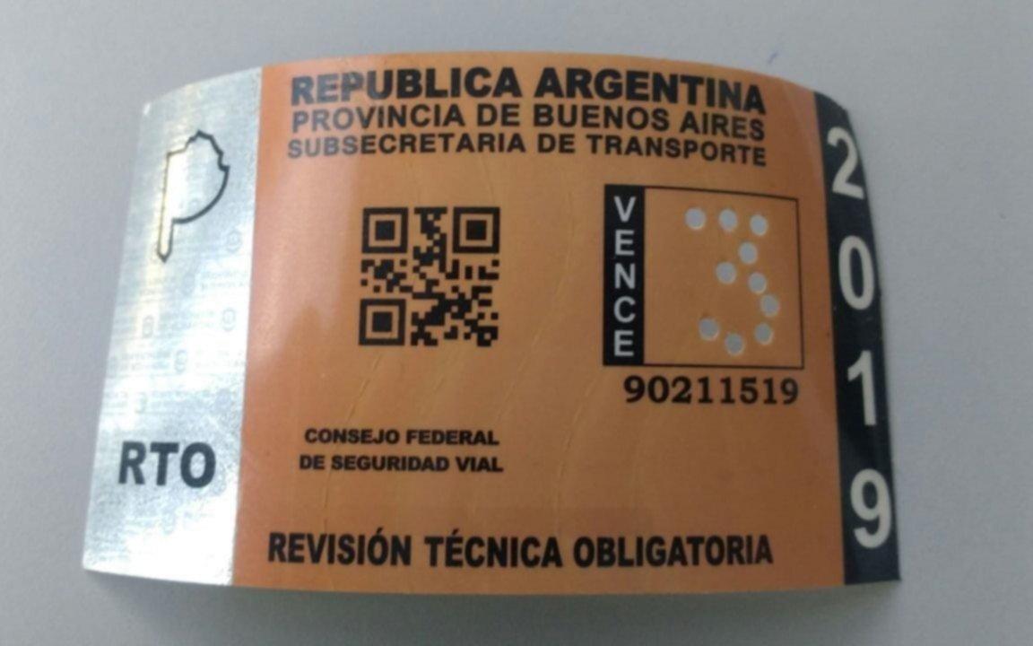 Apresaron en Melchor Romero a un vendedor de obleas y certificaciones de la VTV