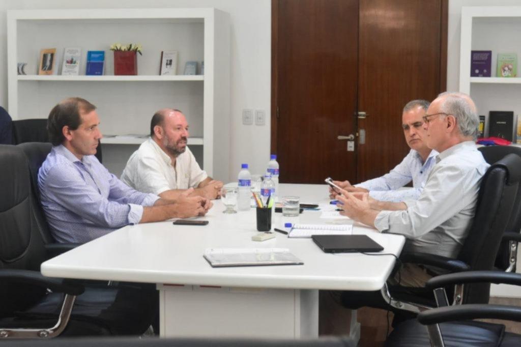 Garro planteó a Gollán un plan para mejorar las salas sanitarias de la Ciudad