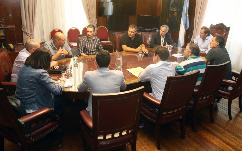 Mesa de trabajo entre la Comuna y autoridades nacionales por el transporte en La Plata