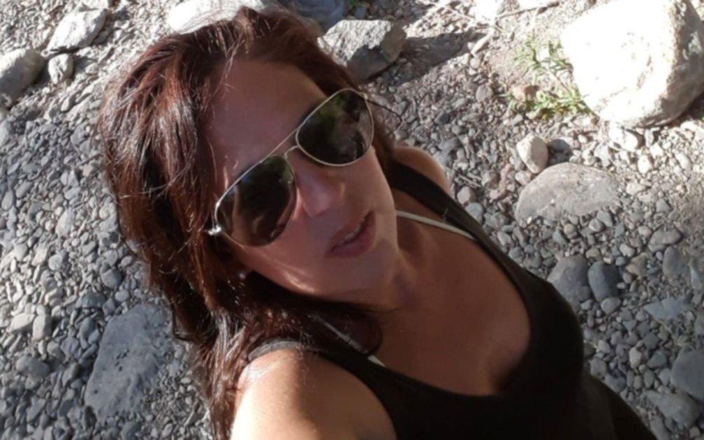 Afirman que junto al cadáver hallado en Capilla del Monte había pertenencias de la turista desaparecida
