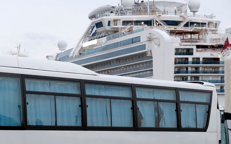 "Coronavirus: fallecieron dos pasajeros del crucero ""Diamond Princess"""