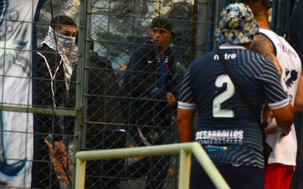 Barras atacan de nuevo: otro capítulo de violencia sembró temor e indignación