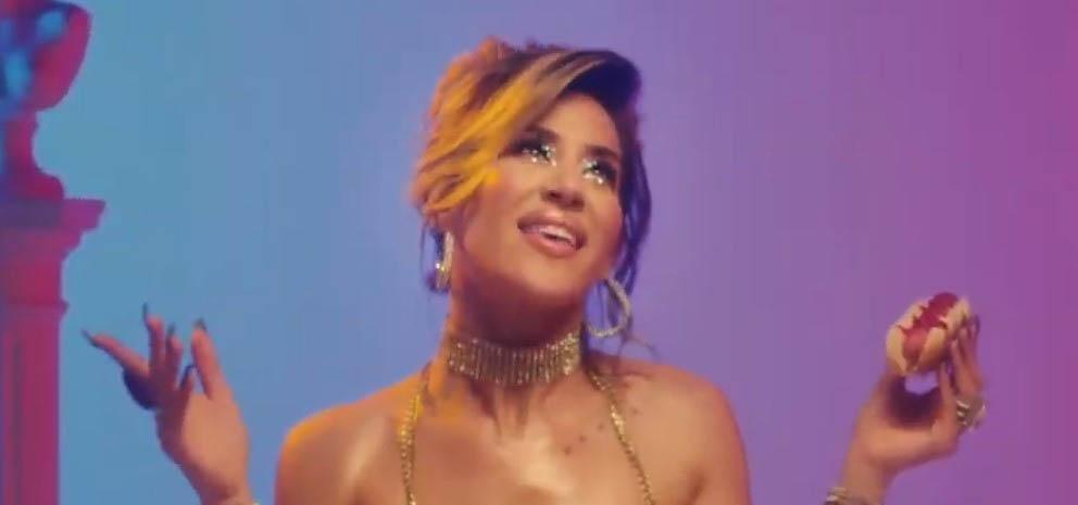 Un lío interminable: al final, Barón lanzó su tema, aunque borró una parte clave en el videoclip