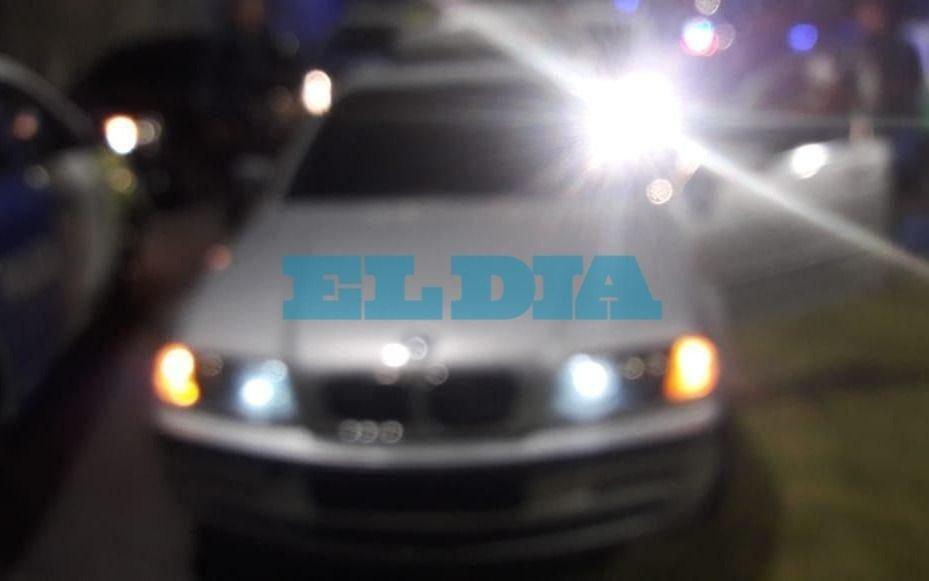 """Lo persiguieron por maniobras """"imprudentes"""": andaba en un auto de lujo con pedido de secuestro"""