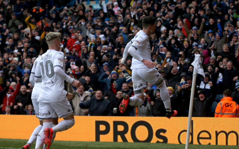 Leeds de Bielsa logró su segundo triunfo al hilo y sigue en zona de ascenso