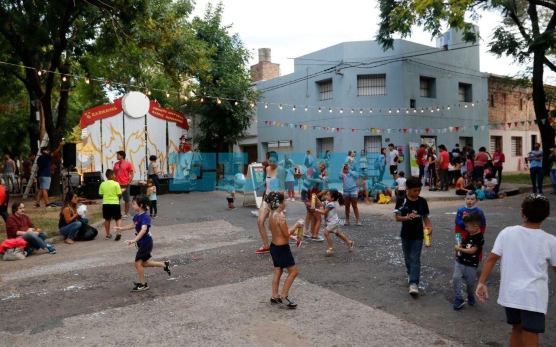 Otra jornada a puro Carnaval en la Región: espuma, baile y música