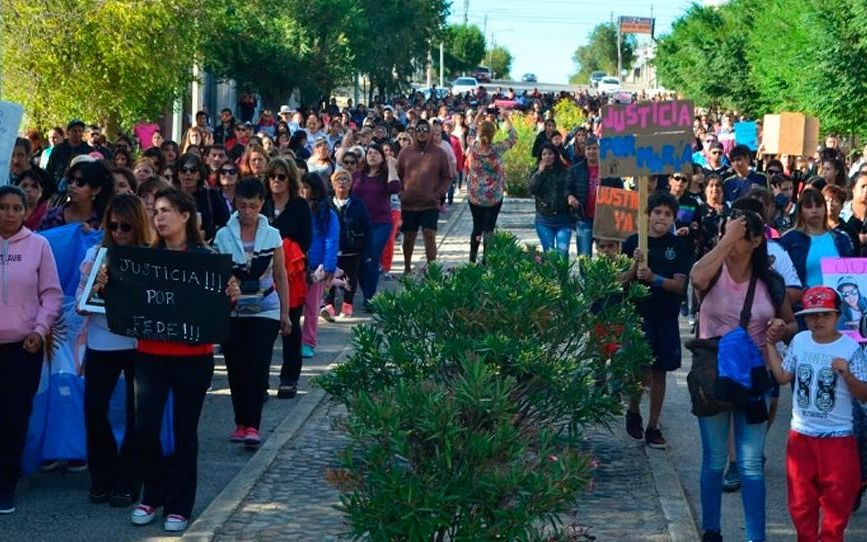 Una multitud marchó para pedir Justicia por el crimen de Puerto Deseado
