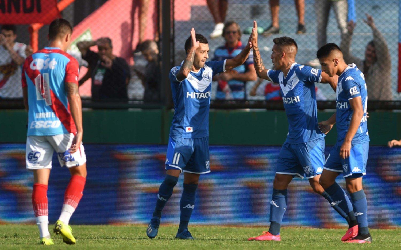 Vélez se floreó con una goleada ante Arsenal en Sarandí