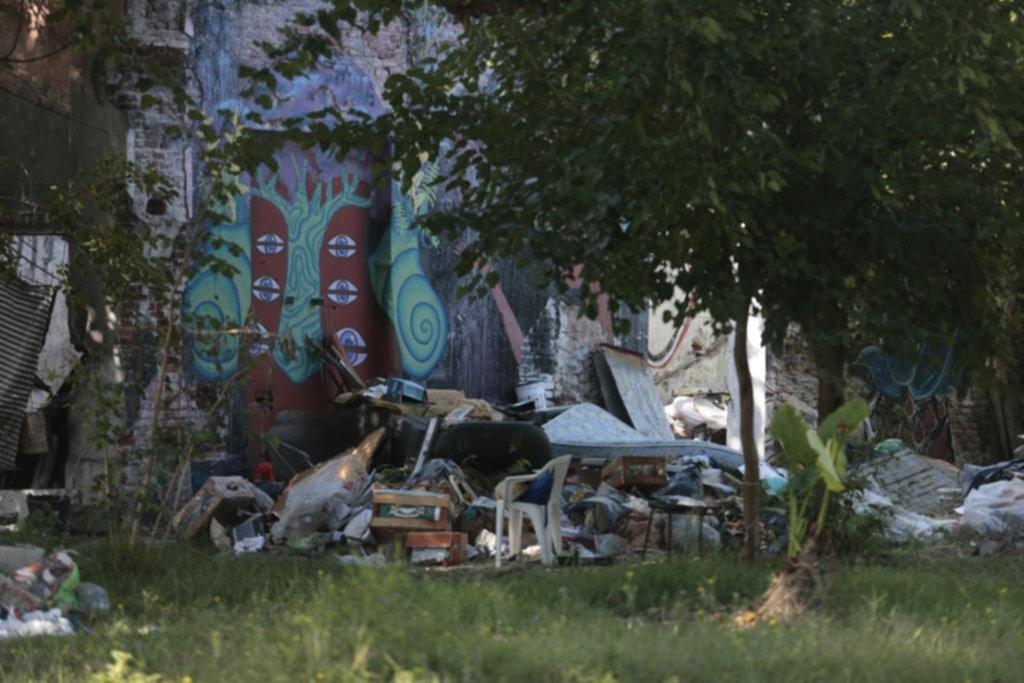 Basurales crónicos desatan reclamos en diferentes barrios de la Ciudad