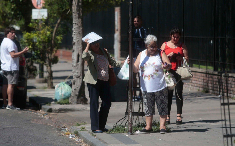 Buscan mantener laedad jubilatoria en 60 años para las mujeres