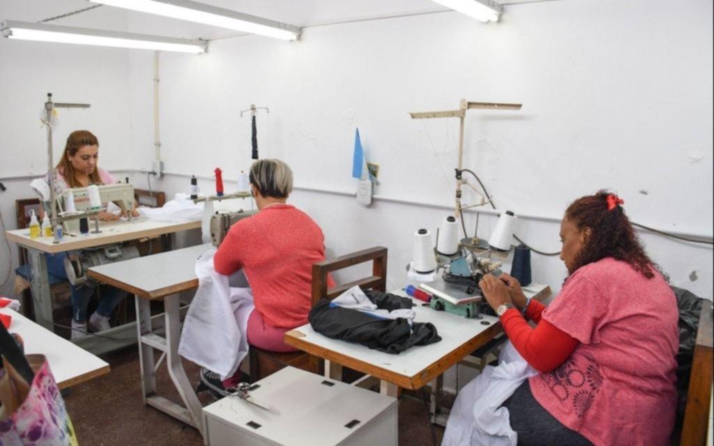 En la cárcel de Los Hornos confeccionaron sábanas para un hospital de niños de Avellaneda
