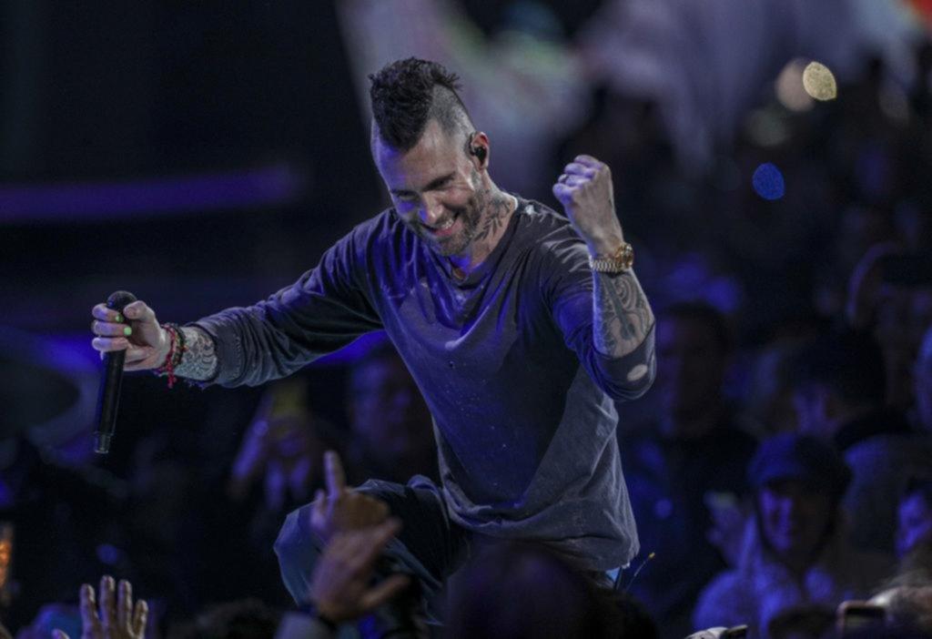 Un escándalo más en Viña del Mar: el líder de Maroon 5, entre el desgano y la furia
