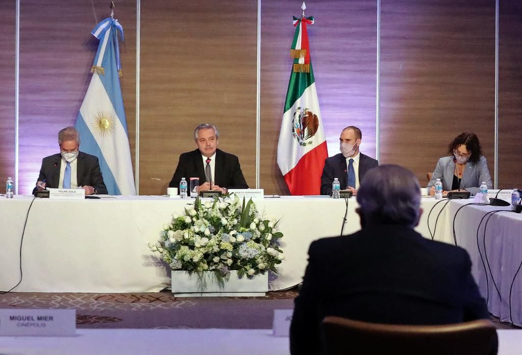 El Presidente en México: expuso ante empresarios y se coló el tema de las vacunas